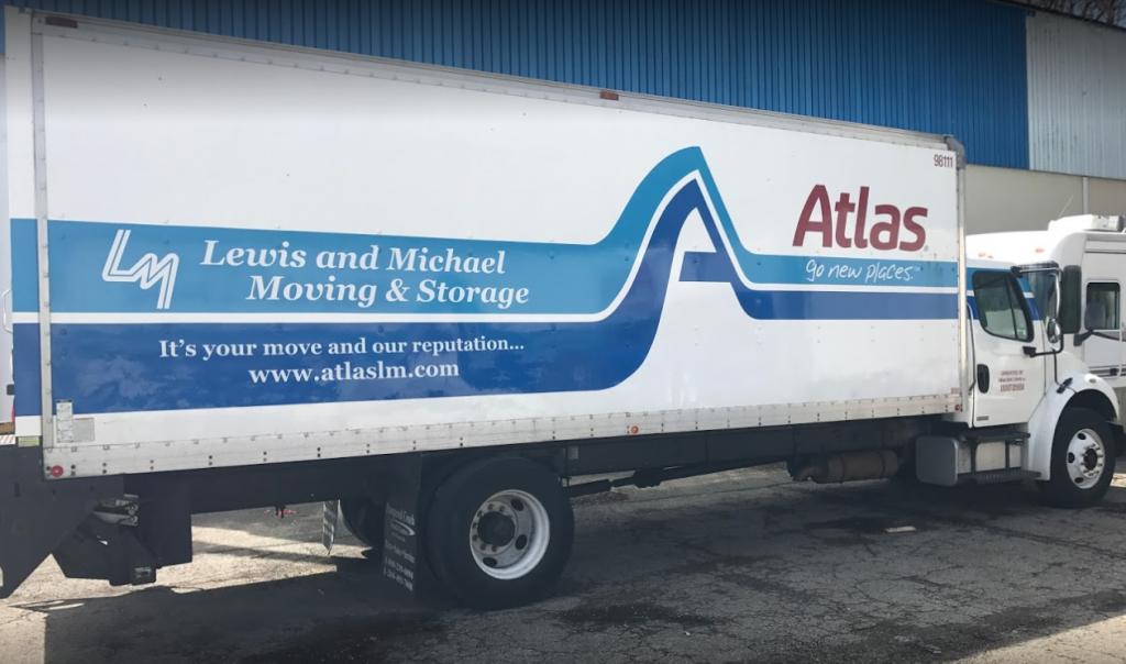 Long Distance Movers Cincinnati Ohio Movers and Storage Lewis & Michael moving truck Atlas Van Lines